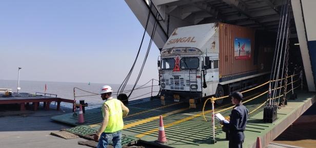 Honda's shipment arrives Ghogha via Ghogha-Dahej Ro-Ro ferry service