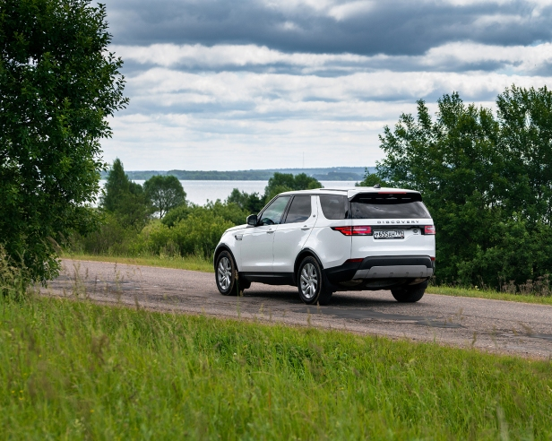 Land Rover - Discovery - 2.jpg
